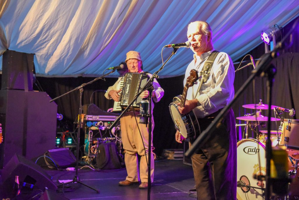The Wurzels band